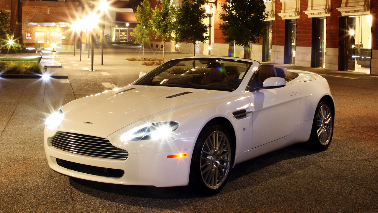 Preview wallpaper 2008, aston martin, city, front view, lights, style, v8, vantage, white