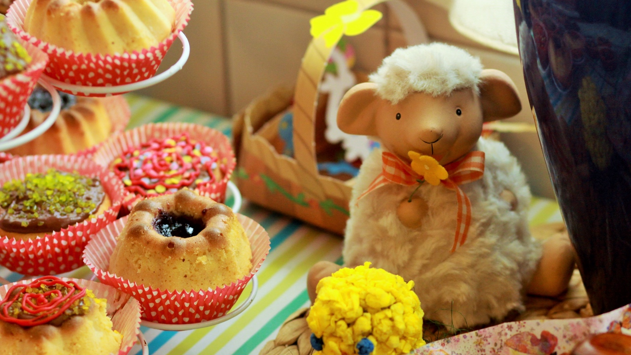 Preview wallpaper baked, cake, easter, holiday, lamb