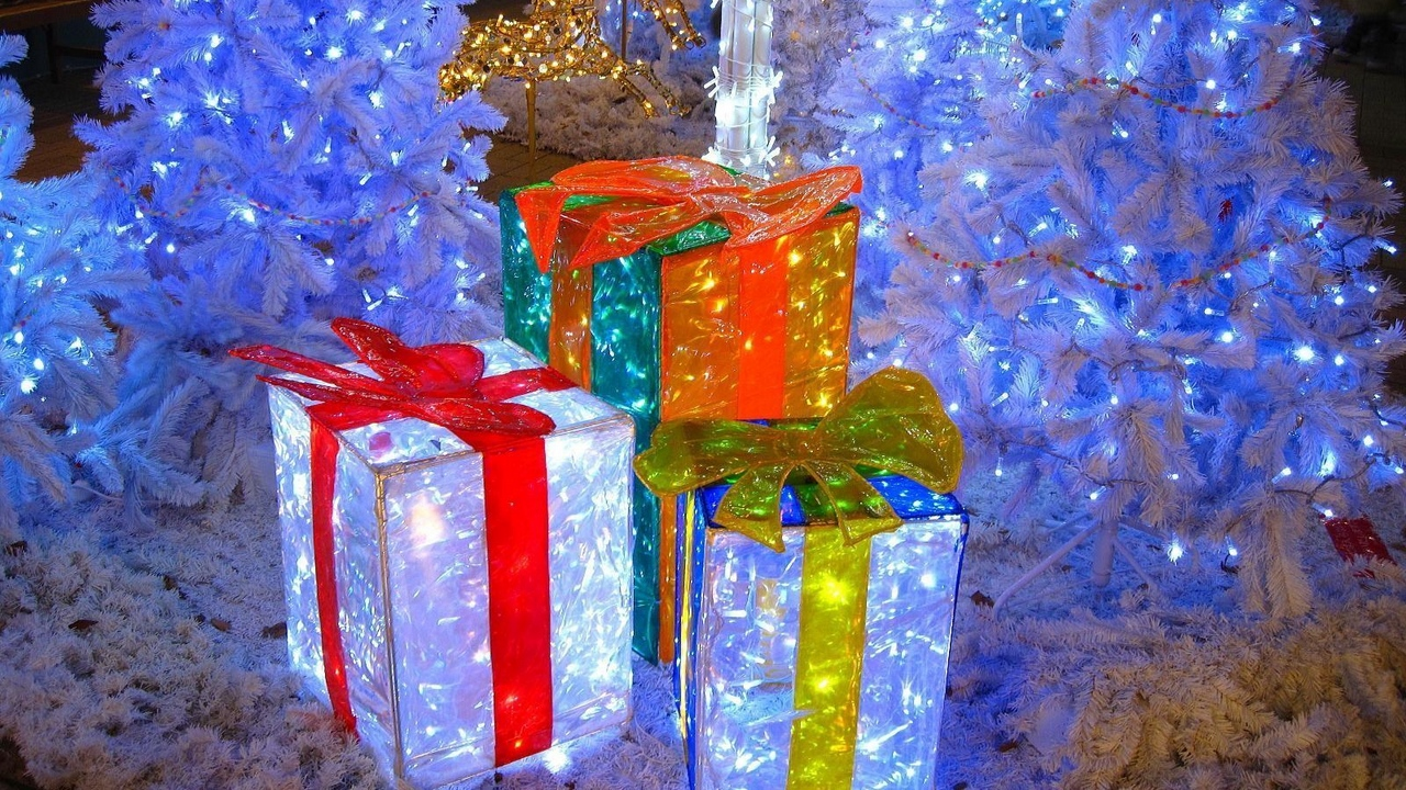 Preview wallpaper christmas trees, garlands, gifts, holiday, lights, new year
