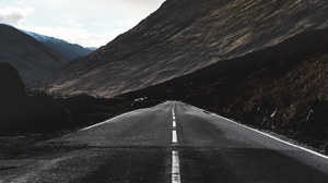 Preview wallpaper direction, marking, mountain, road
