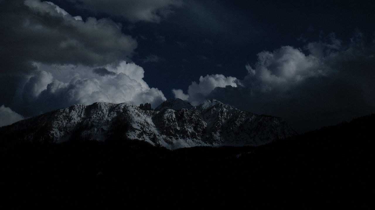 Preview wallpaper clouds, mountains, night, peaks