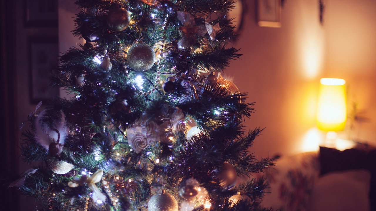 Preview wallpaper christmas, christmas tree, new year, ornaments
