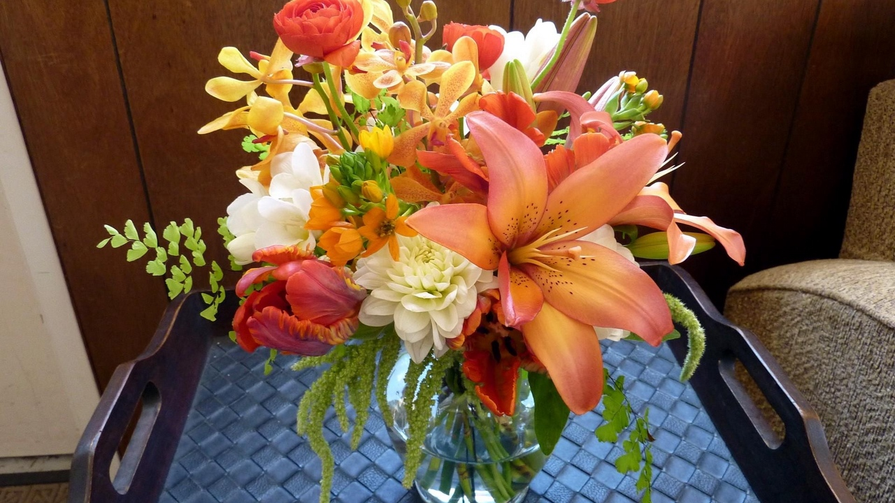 Preview wallpaper bouquet, flowers, lily, orchids, ranunkulyus, tray, tulips, vase