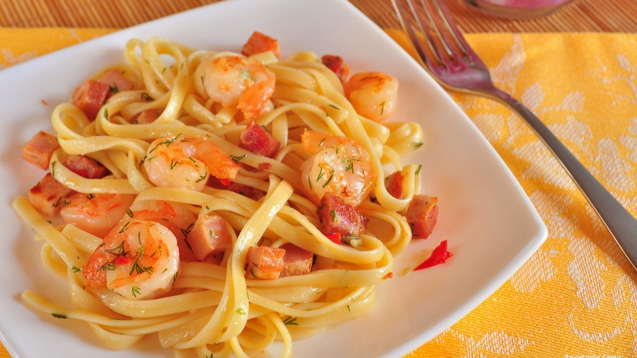 Preview wallpaper fennel, meat, seafood, shrimps, spaghetti