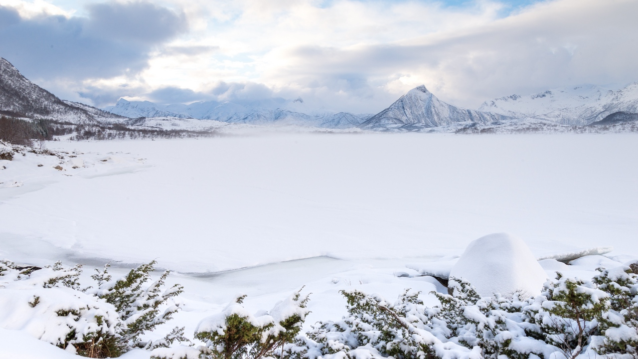Preview wallpaper landscape, mountains, norway, snow, winter