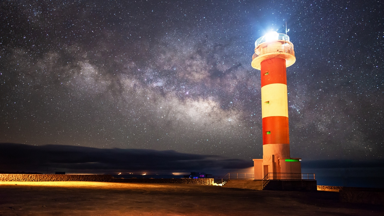 Preview wallpaper lighthouse, milky way, night, shore, starry sky
