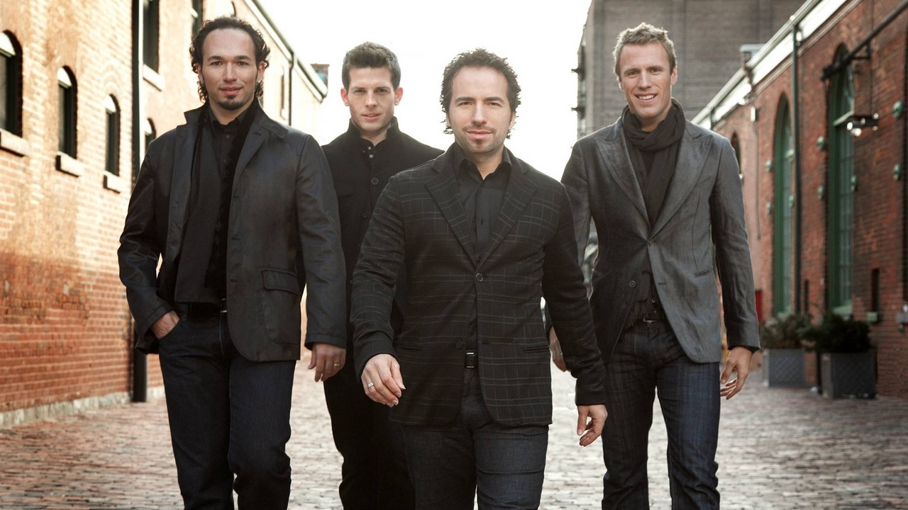 Preview wallpaper band, houses, street, the canadian tenors, walk