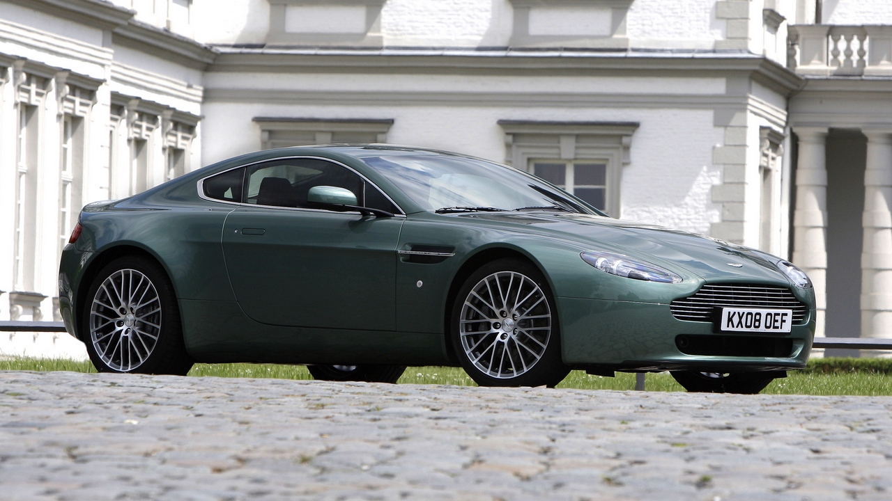 Preview wallpaper 2008, aston martin, building, green, side view, style, v8, vantage
