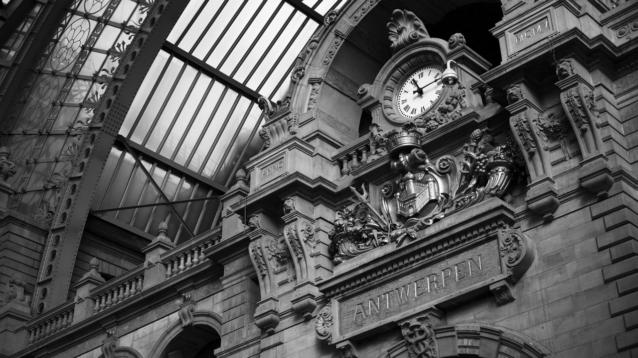 Preview wallpaper black white, building, clock, stone, wall