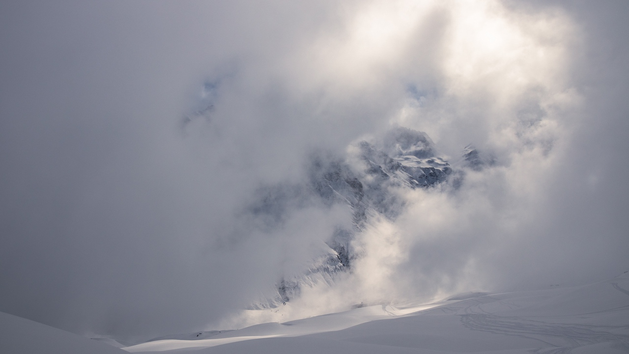 Preview wallpaper clouds, landscape, mountains, snow, white