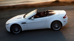 Preview wallpaper 2008, aston martin, cabriolet, side view, speed, v8, vantage, white