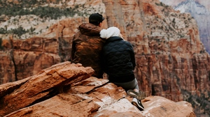 Preview wallpaper canyon, couple, love, travel