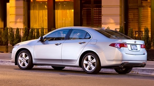 Preview wallpaper 2008, acura, asphalt, building, cars, shrubs, side view, silver metallic, street, style, tsx