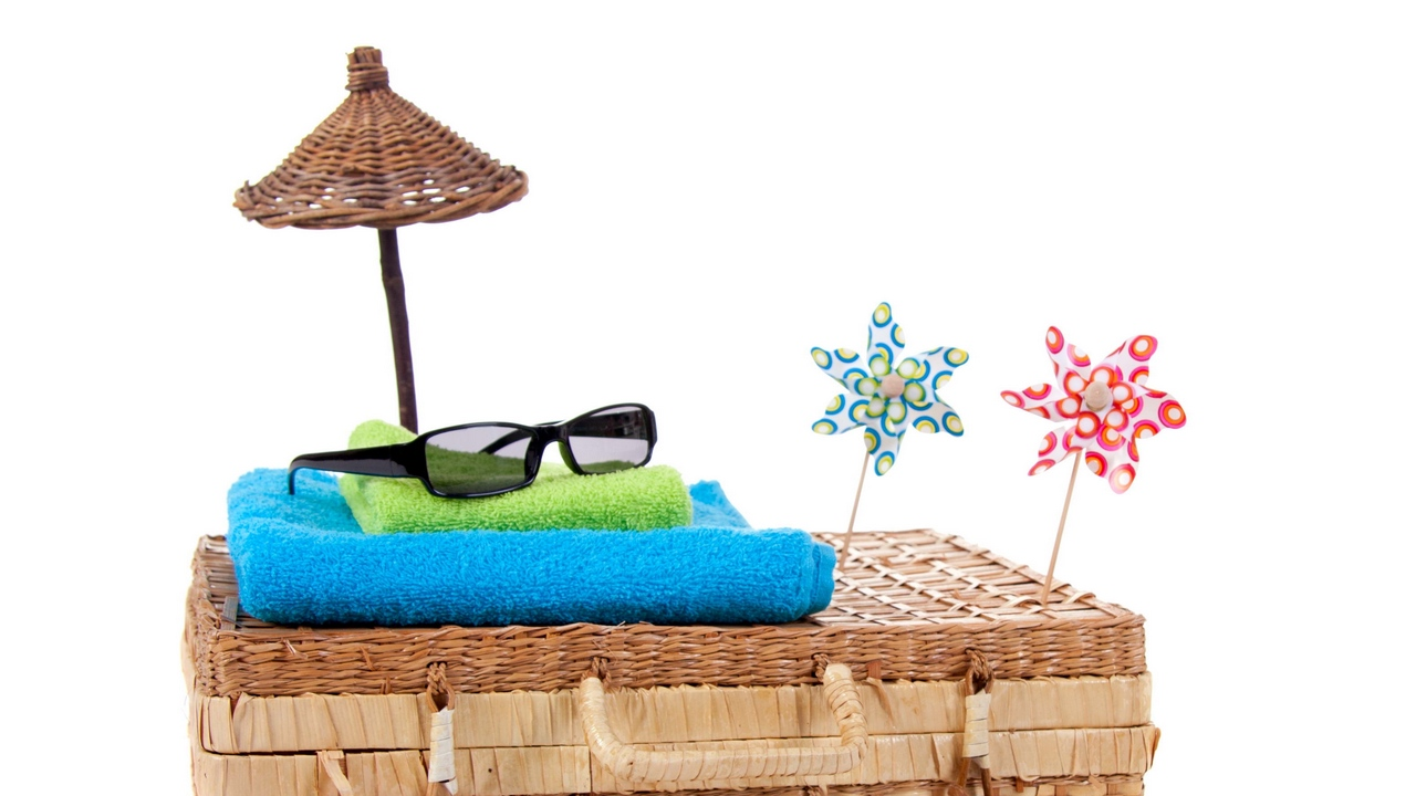 wicker suitcase towels things glasses turntables white background