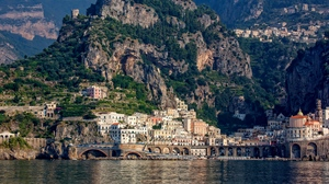 Preview wallpaper amalfi, bay, buildings, city, cliffs, italy
