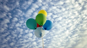 Preview wallpaper balloons, clouds, sky