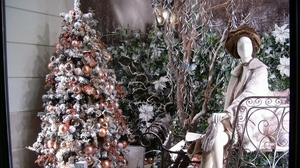 Preview wallpaper christmas decorations, dummy, holiday, new year, showcase, tree