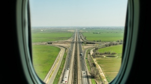 Preview wallpaper porthole, road, window
