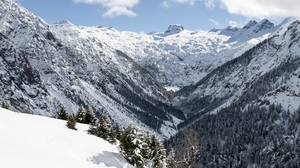 Preview wallpaper landscape, mountains, snow, valley, winter
